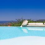 fotografo di immoibili in Sardegna, ville, piscine, giardini, appartamenti, hotels- photographer of interiors in Sardinia